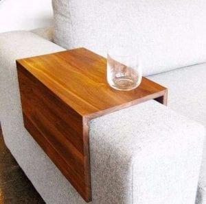 apoya vasos de madera