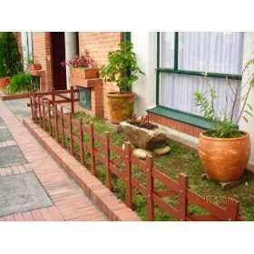 cercos para jardines de madera