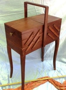 costureros de madera antiguos