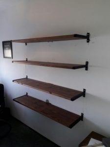 estanterias de madera flotantes