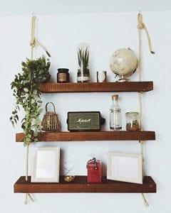 estanterias de madera y cuerda