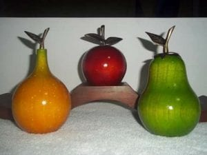frutas de madera