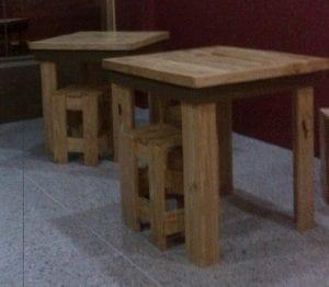 mesas de madera pequeñas