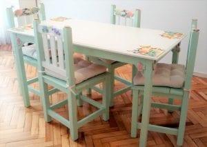 mesas de madera pintadas
