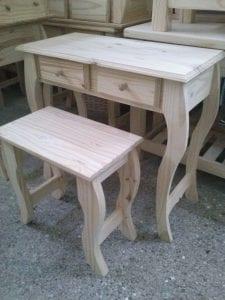 mesitas de madera de pino
