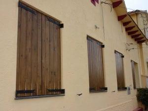 porticones de madera