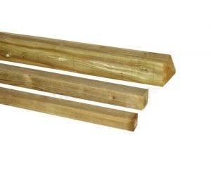 postes de madera tratada cuadrados