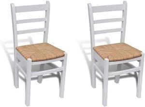 sillas blancas de madera