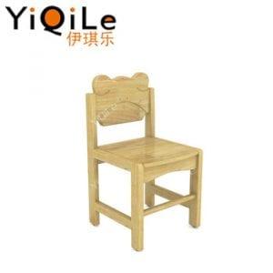 sillas de madera pequeñas